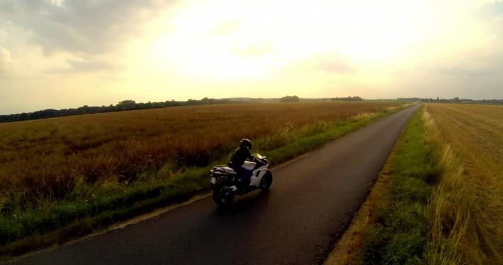 DroneContrast Suivi moto Ducati