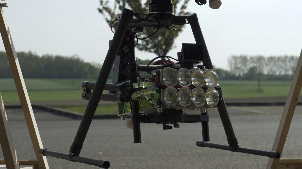 Drone Eclairant